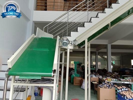 băng chuyền PVC tải thùng carton
